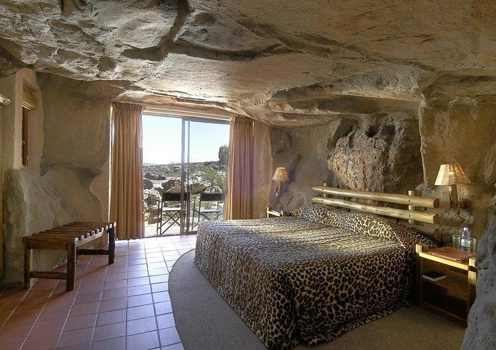 Фото Пещерный курорт Кагга Камма. Южная Африка, Western Cape, Breede River DC, Unnamed Road