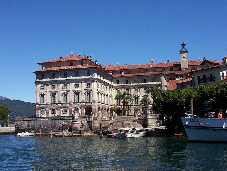Фото Изола-Белла. Италия, Piemonte, Isola Bella, Via Lungo Lago Vittorio Emanuele, 18