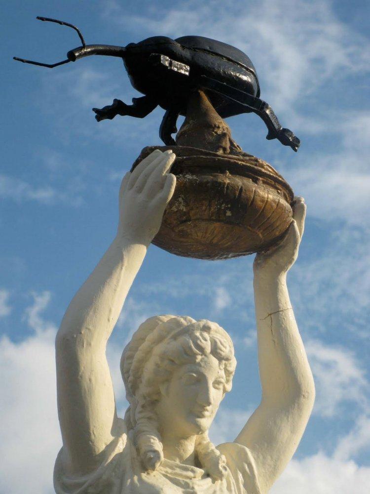 Фото Памятник хлопковому долгоносику. Соединенные Штаты Америки, Алабама, Энтерпрайз, Север-Мейн-стрит, 124