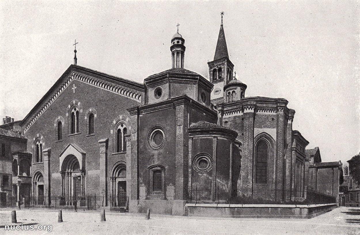 Фото Базилика Сант-Эусторджо, Базилика Святого Евсторгия . Италия, Ломбардия, Милан, Via Santa Croce, 16-20