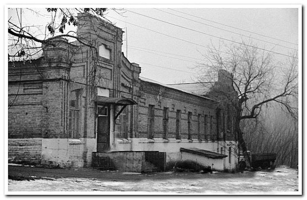 Фото Красная школа .. Россия, Белгородская область, Р187