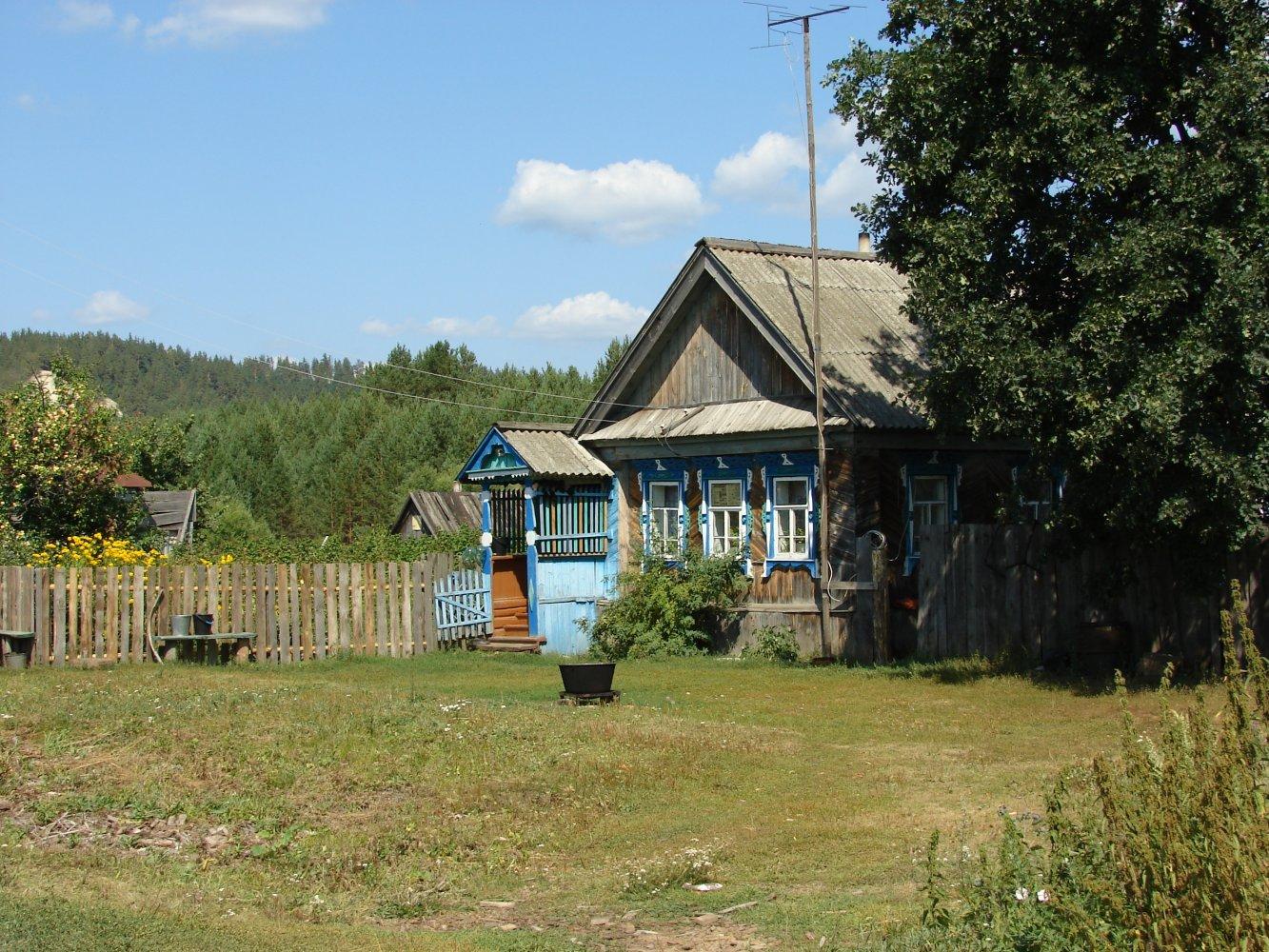 Фото Один из двух жилых домов на этом конце села.. Россия, Ульяновская область, Unnamed Road