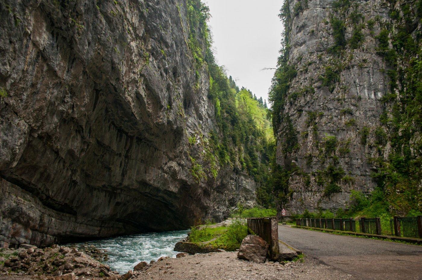 Картинки по запросу абхазия Юпшарский каньон