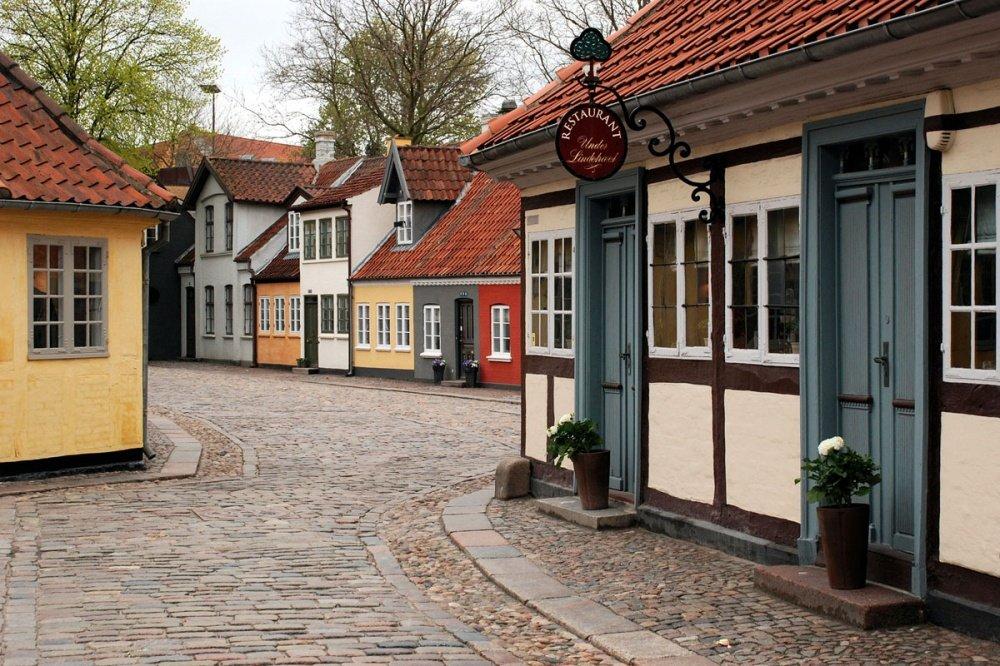 Фото Оденсе (Odense). Дания, Оденсе, Odense C, Hunderupvej, 56