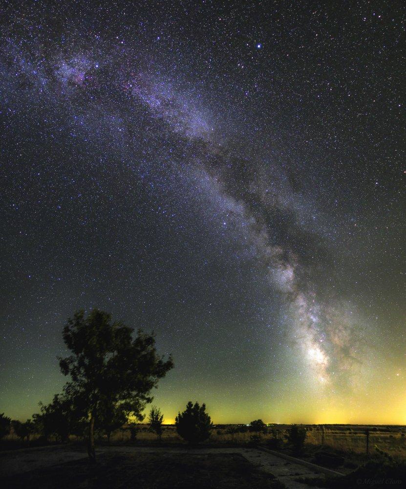 Фото Заповедник звёздного неба на озере Алькева (Dark Sky Alqueva Reserve) . Португалия, Evora, Nova Aldeia da Luz, Terreiro do Rossio, 1