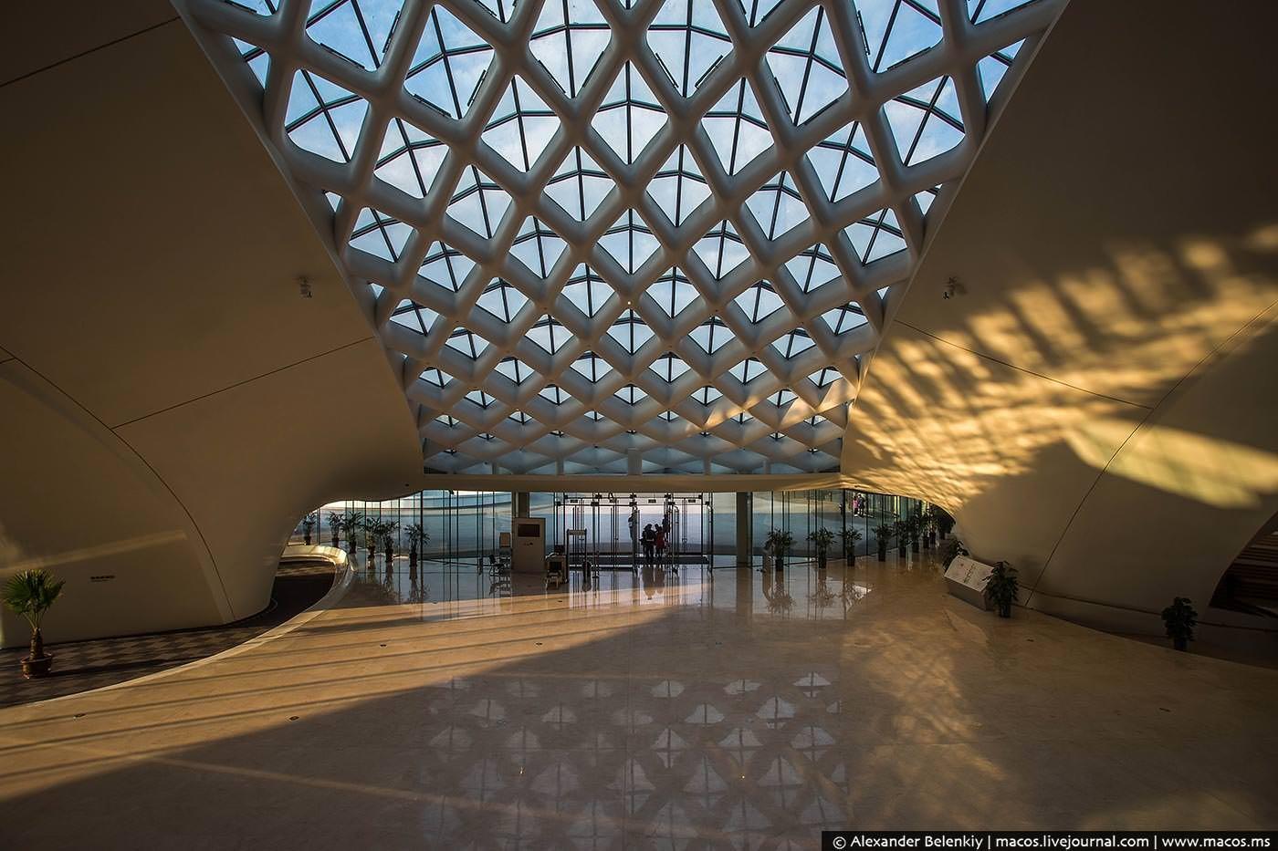 Фото Харбинский оперный театр . China, Heilongjiang Sheng, Haerbin Shi, Unnamed Road