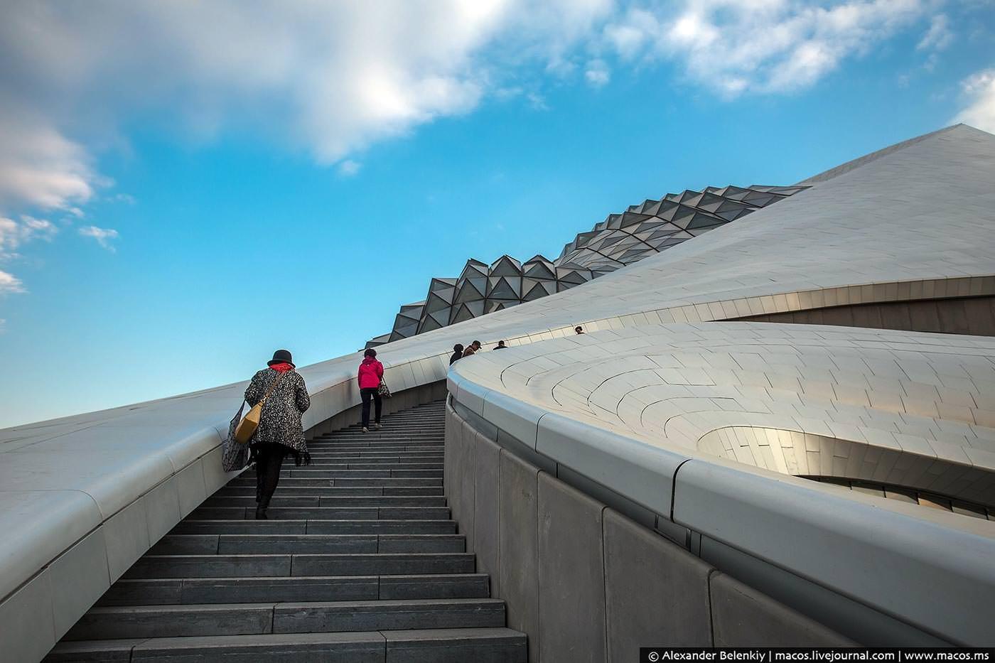 Фото Харбинский оперный театр. China, Heilongjiang Sheng, Haerbin Shi, Unnamed Road