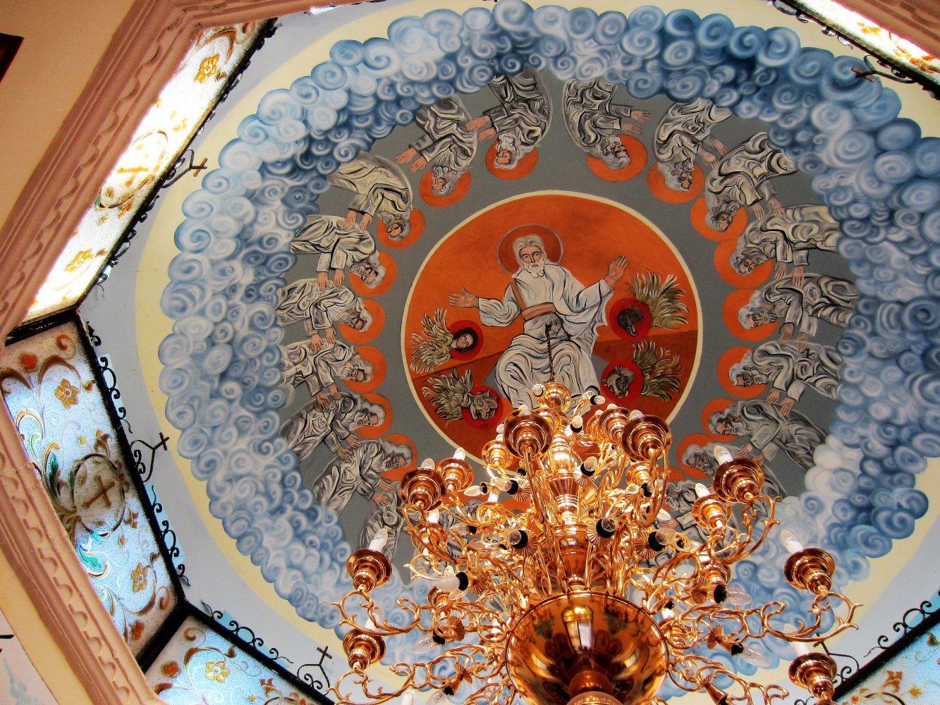 Фото Роспись потолка в часовне Св. Николая Чудотворца .