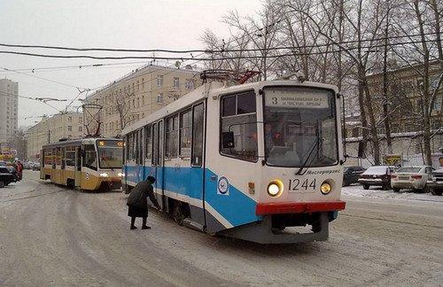 Фото трамвай-цг.jpg. Rossiya, город Москва, Симферопольский бульвар, 9