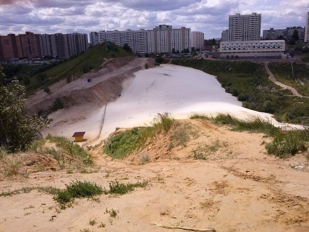 Фото Белые пески городского пляжа..