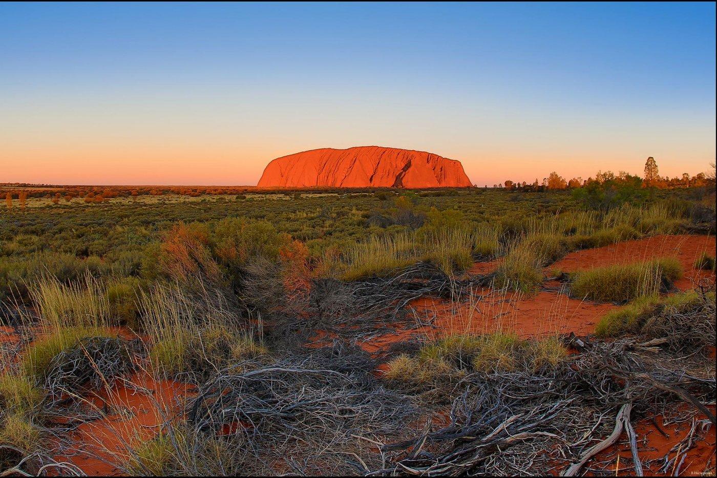 Фото 0197-4 (Copy).jpg. Австралия, Northern Territory, Uluru Summit Walk