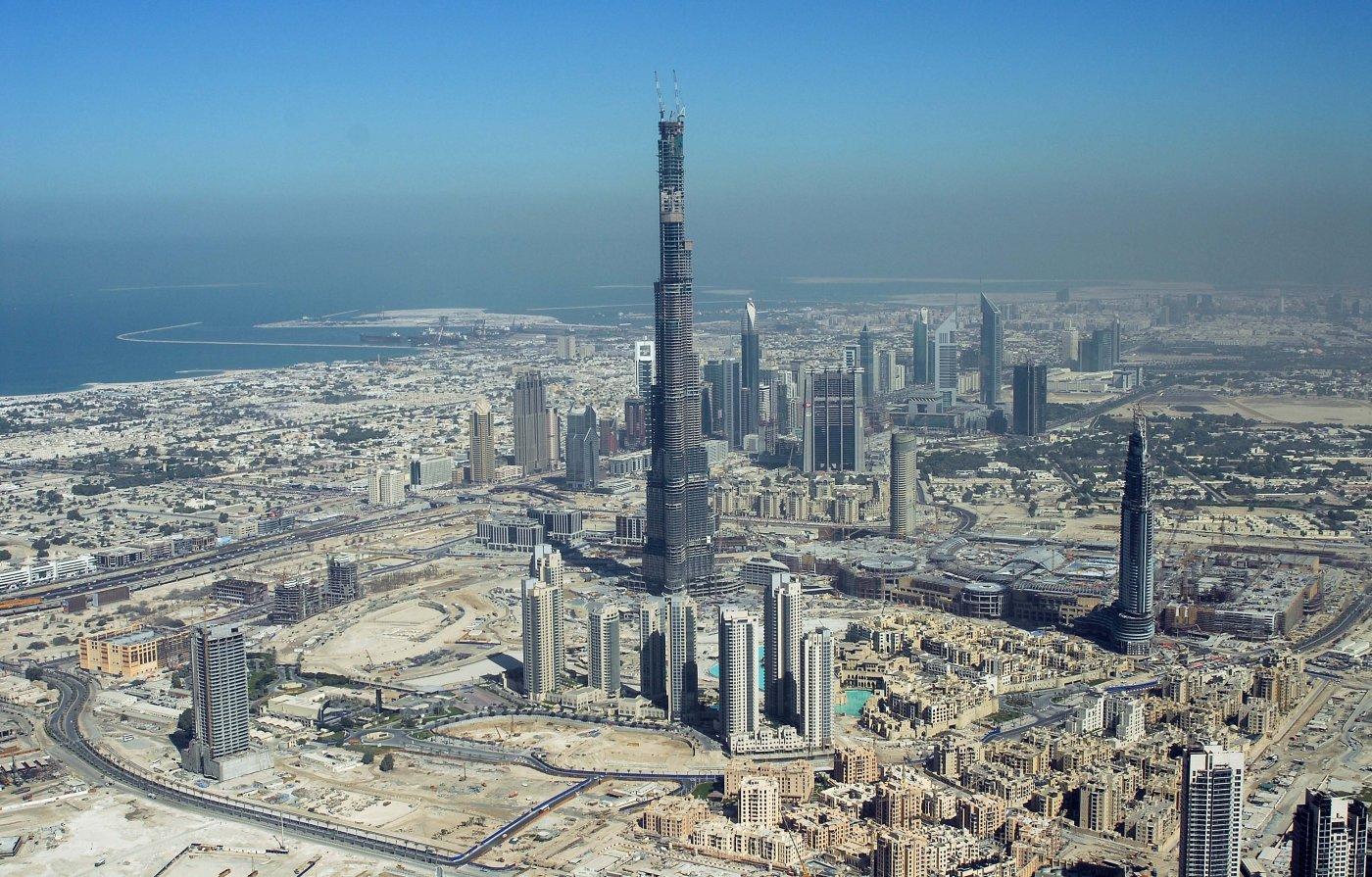 Фото высокое высокое. Объединенные Арабские Эмираты, Dubai, Sheikh Mohammed bin Rashid Boulevard