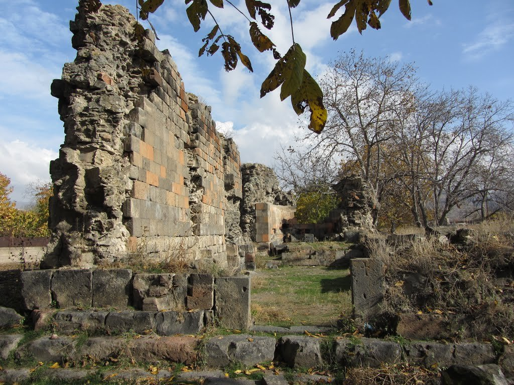 """Фото Руины церкви """"Хумаржам"""", Гарни, Армения. Армения, Котайк, Гарни, Alekyan Street"""