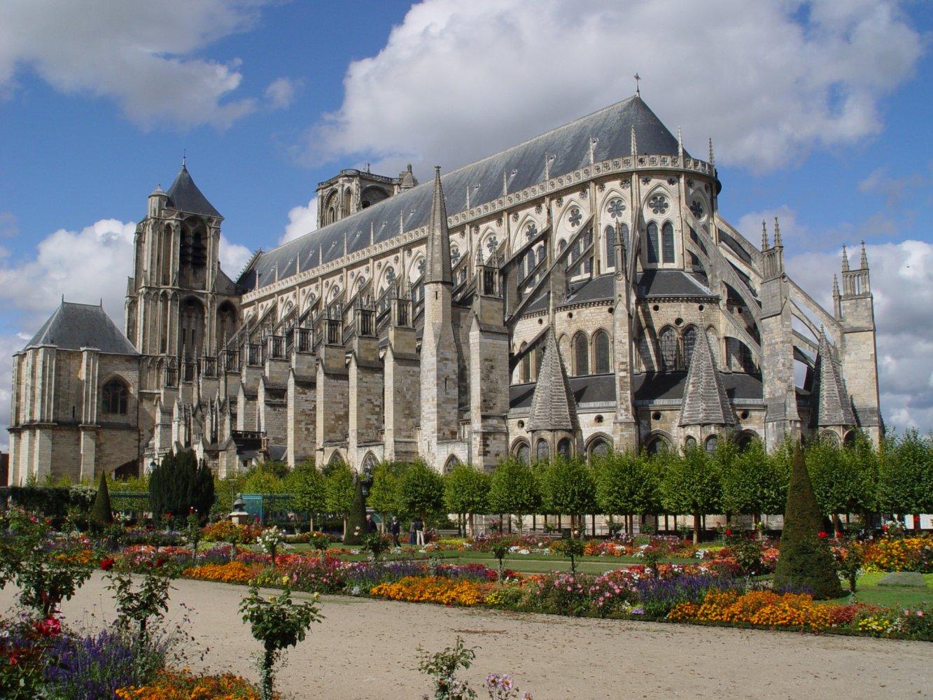 Фото Буржский собор. Франция, Центр, Бурж, Rue des 3 Maillets, 6