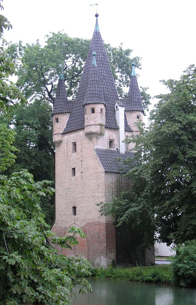 Фото Башня Фюнфграттурм. Германия, Бавария, Аугсбург, Унтере Якобермауэр