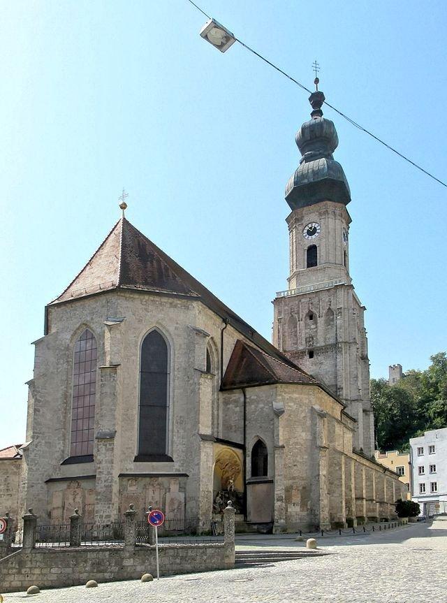 Фото Приходская церковь Св. Иакова. Германия, Бавария, Бургхаузен, Кирхплац, 20
