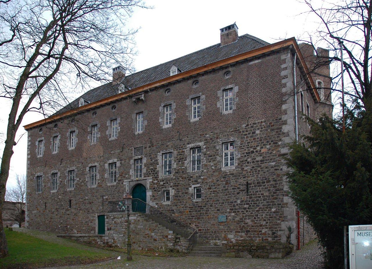 Фото Замок Франкенберг. Германия, Северный Рейн-Вестфалия, Аахен, Гоффартштрассе, 45
