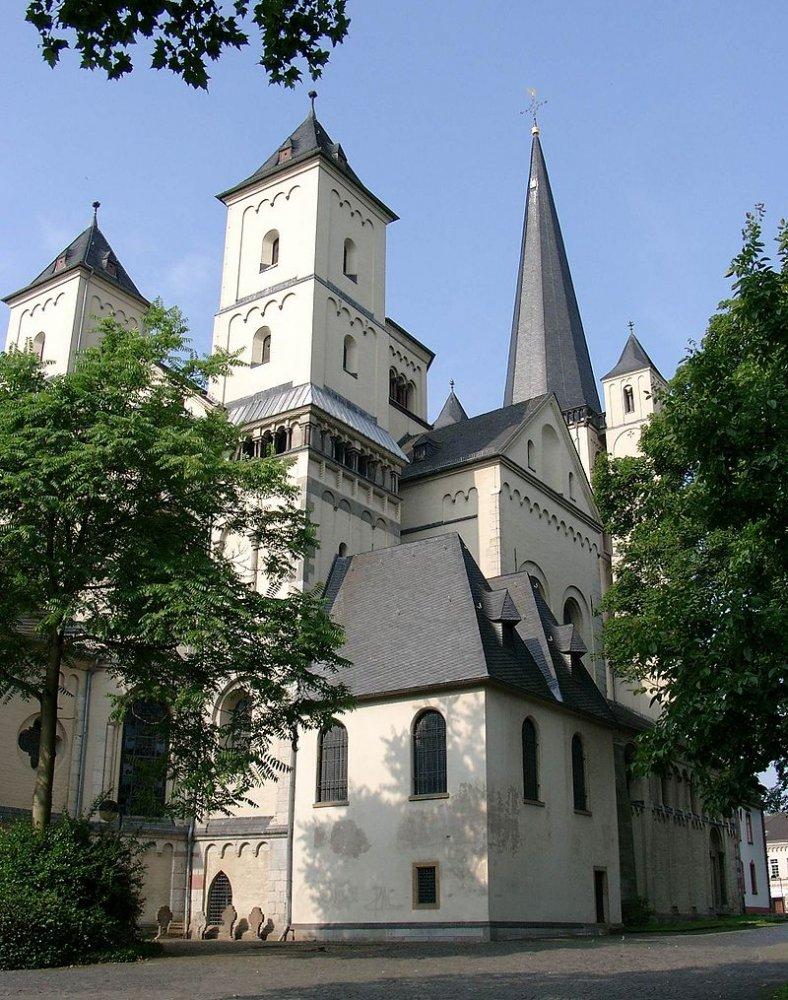Фото Аббатство Браувайлер. Германия, Nordrhein-Westfalen, Pulheim, Ehrenfriedstrase, 15