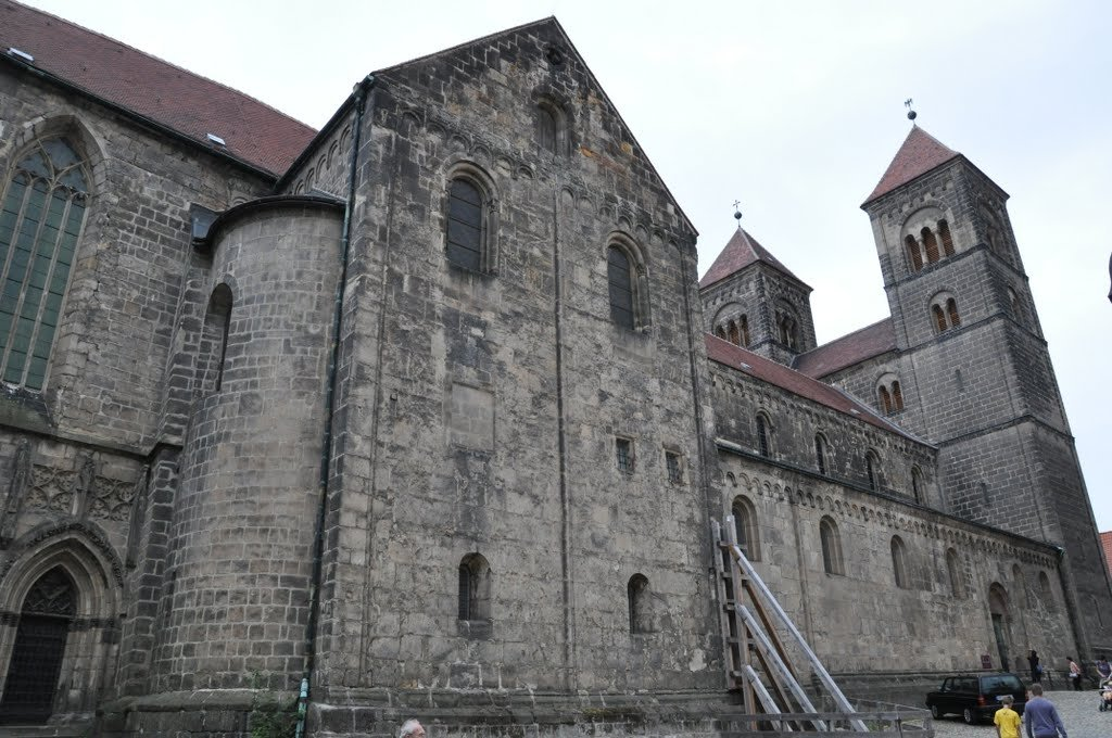 Фото Церковь Св. Серватия. Германия, Sachsen-Anhalt, Quedlinburg, Wassertorstrase, 33