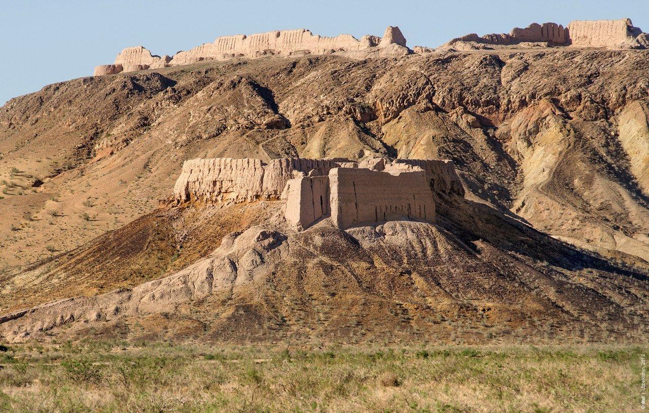 Фото Две крепости. Узбекистан, Republic of Karakalpakstan, R-183
