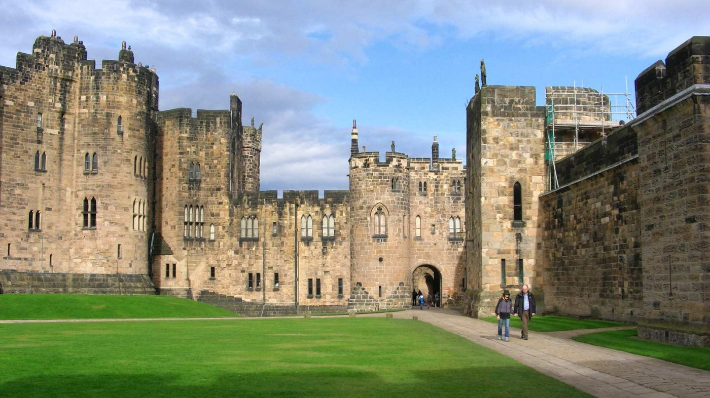 Harry potter alnwick castle pictures