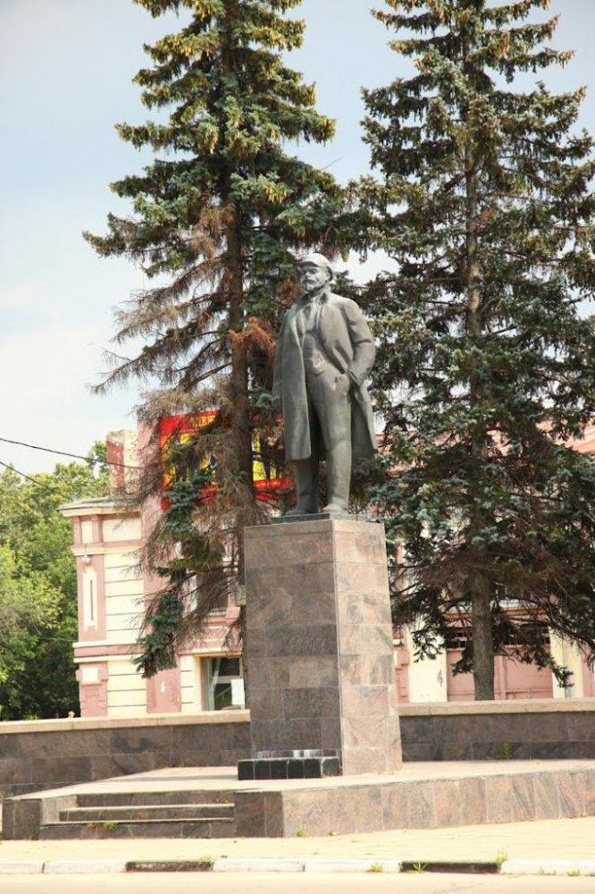Фото Памятник В.И. Ленину. Россия, Московская область, Серпухов го, площадь Ленина, 1