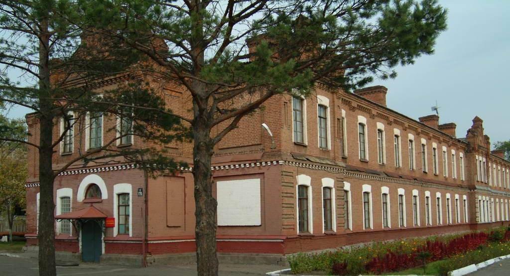 Фото Суворовское училище. Россия, Приморский край, город Уссурийск, улица Афанасьева, 1
