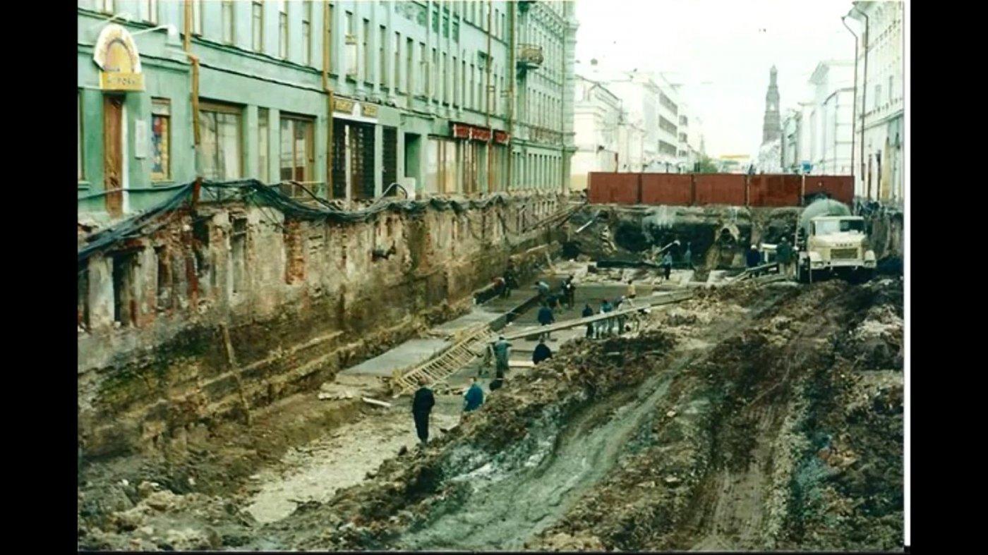 Фото Раскопки в Казани. Россия, Татарстан республика, город Казань, улица Баумана, 34-36