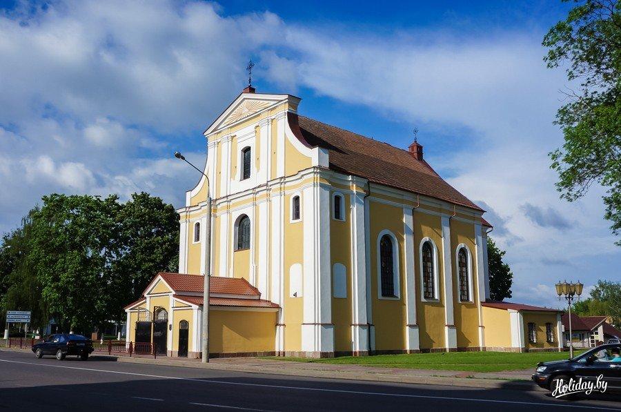 Фото Крестовоздвиженский костел. Беларусь, Гродненская область, Лида, улица Замковая