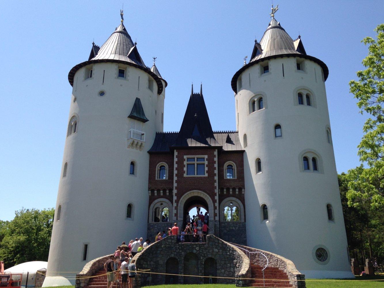 Фото Замок. Соединенные Штаты Америки, Tennessee, Arrington, Newcastle Road, 2124