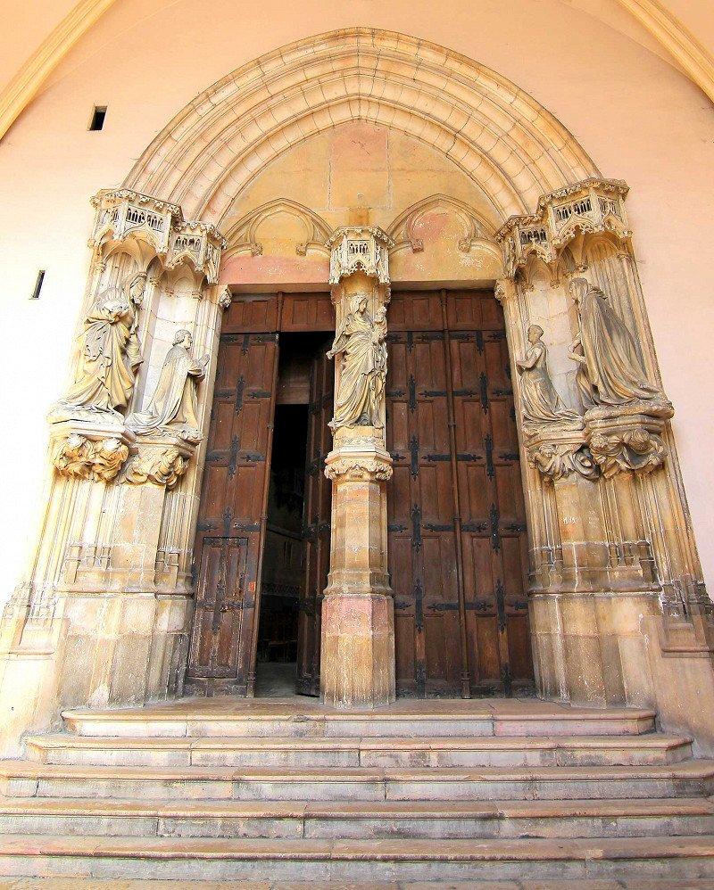 Фото Главный вход в Монастырь.