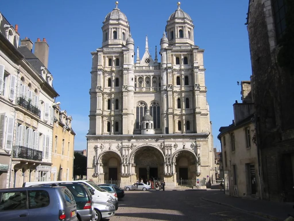 Фото Церковь Сент-Мишель.