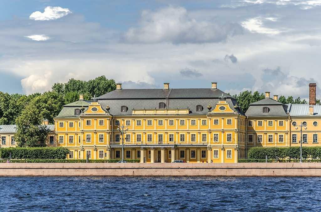 Фото дворец. Россия, Санкт-Петербург, город Ломоносов, Дворцовый проспект