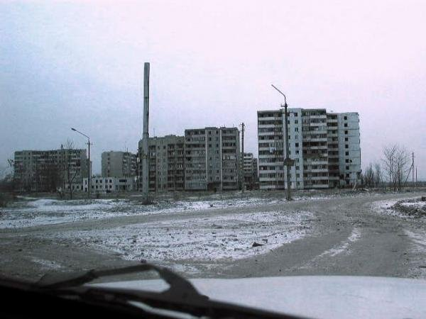 6-й микрорайон грозный сколько проживает людей памятнику лицеисту Пушкину
