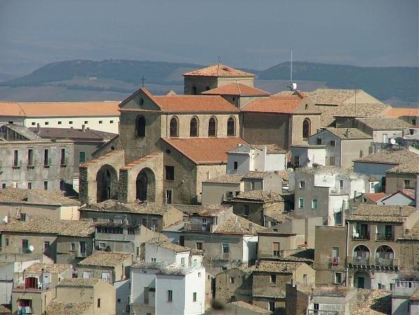 Фото  №4. Италия, Базиликата, Oliveto Lucano, Piazza Umberto I, 2BIS