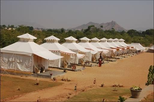 Фото  №5. Индия, Rajasthan, Pushkar, Main Market Road