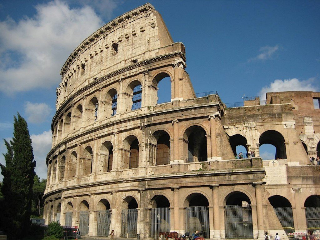 Фото Еще один колизей. Италия, Лацио, Рим, Площадь Колизея, 9