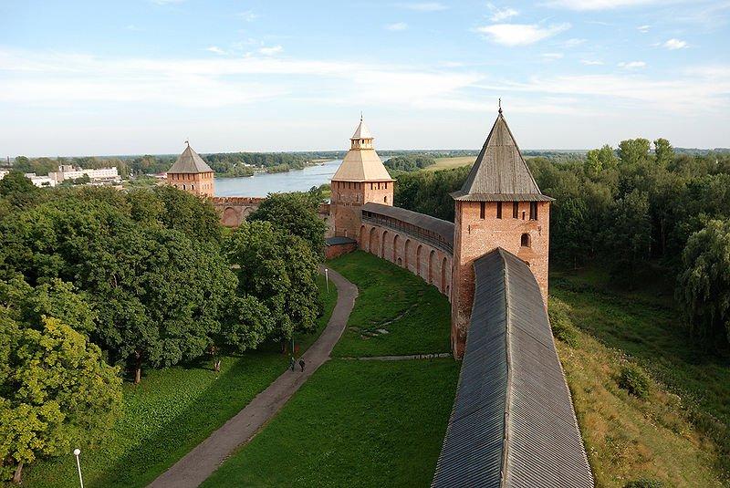 Фото Стены Новгородского кремля. Россия, Новгородская область, город Великий Новгород