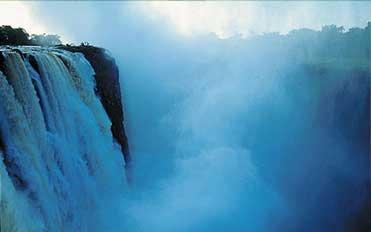 Фото Водопад Виктория. Зимбабве, Матабелеланд-Норт, Ливингстон-уэй