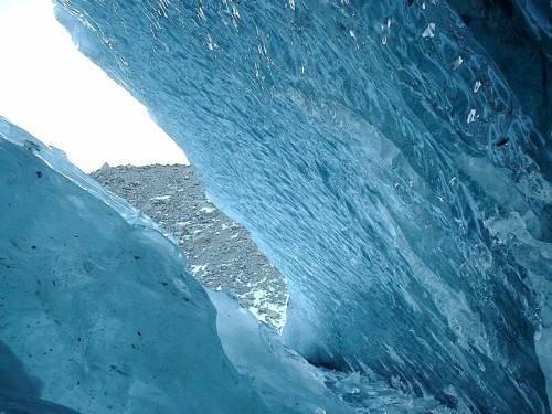 Фото Октябрьская пещера. Казахстан, Алматинская область, Алматы, улица Горная, 548
