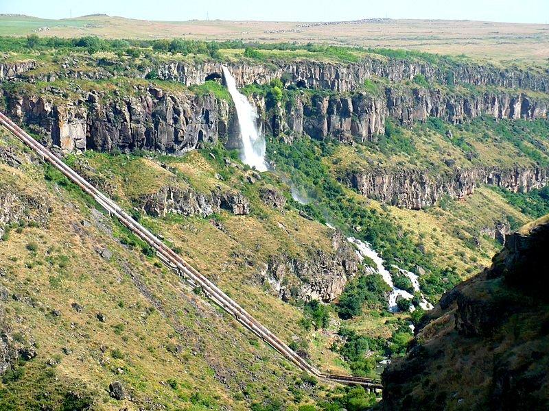 Фото Касахский водопад. Армения, Арагацотн, Оганаван, Kanal Street