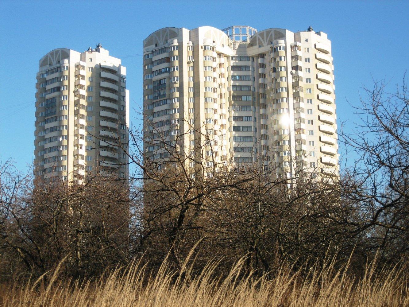 Фото Так выглядит этот комплекс с западной стороны. Россия, город Москва, Каширское шоссе, 148