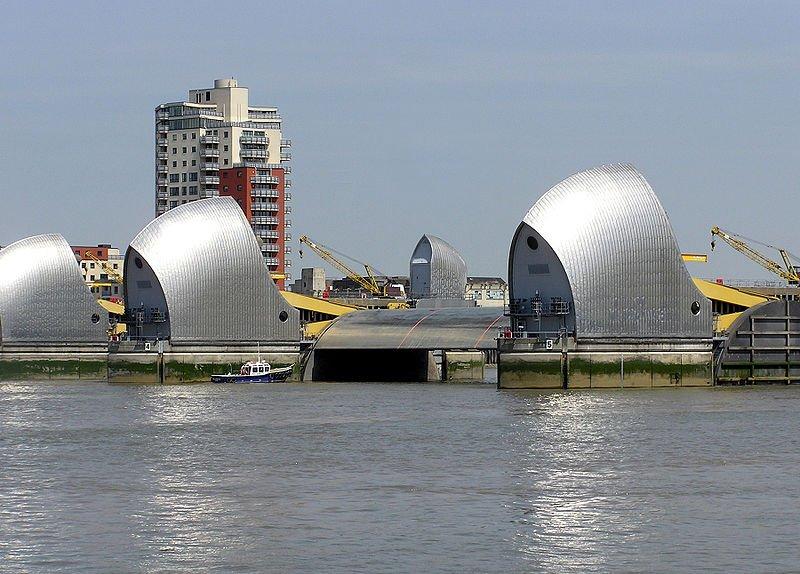 Фото Барьер на Темзе. Великобритания, Лондон, Barrier Point Road, 257