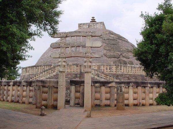 Фото Ступы. Индия, Madhya Pradesh, Sanchi, Gulgao Road