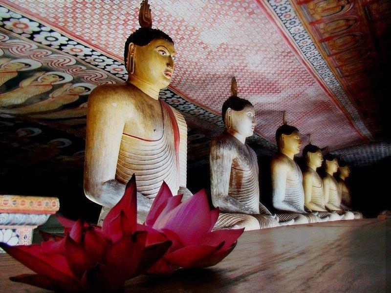 Фото Золотой храм Дамбулла. Шри-Ланка, Central Province, Dambulla, Kandy-Jaffna Highway