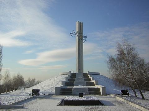 Заказать памятник саратов журавли купить надгробные памятники минск цены